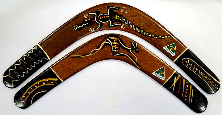 Australian boomerang gift set with two returning boomerangs - one for kids and one for parents